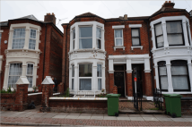 6 bed semi detached property in 66 Lawrence Road...