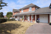 Detached property in Portside Close...