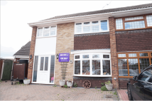 4 bed semi detached property in The Fairway...