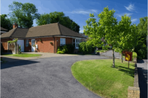 3 bed Bungalow for sale in Coombe Close, Dover...
