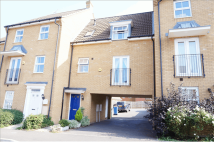 Flat in Coral Road, Sheerness...