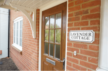 3 bed semi detached house for sale in Cleresden Rise...