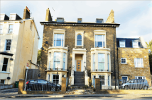 1 bedroom Flat in Peckham Rye, London...