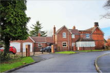 5 bedroom Detached house in Station Road, Alcester...