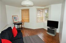 Flat to rent in Petrie Close, London...