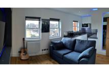 Flat to rent in Culford Road, London...