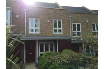 3 bed Terraced property in Sunnyfield Rise...