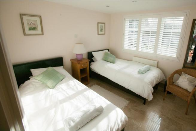 Holiday Cottage 2
