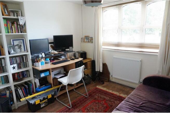 Study / Bedroom 5