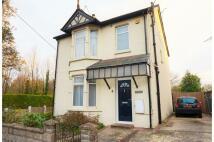 4 bedroom Detached house for sale in Vicarage Road, Halling...
