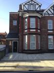 Flat to rent in Dunraven Road...