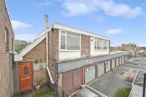 Flat to rent in Park View Road, Welling...
