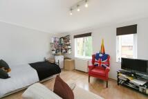 Studio flat in Windsor Court...