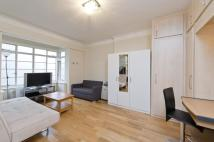 Studio apartment in Rossmore Court...