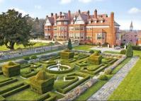 2 bedroom Apartment in Hatchford Manor, Cobham...
