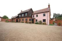 Detached property to rent in Kennel Lane, Billericay...