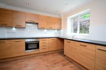 4 bed semi detached house to rent in MIDDLE ROAD, Brentwood...