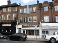 property to rent in 120 High Street, Edgware, Middlesex, HA8