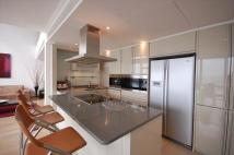 3 bed Flat to rent in No.1 West India Quay...
