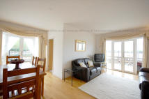 2 bed Flat to rent in Riverview Court...