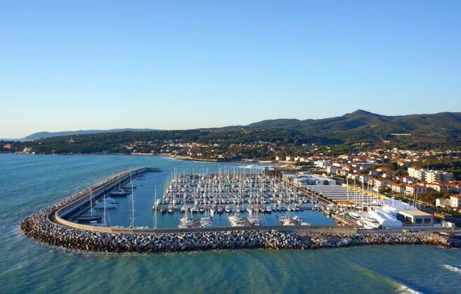 Touristic port