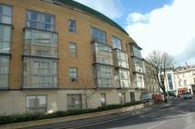 Flat to rent in Merchants Road, Clifton...