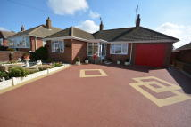 Detached Bungalow in Sharon Drive, Lowestoft