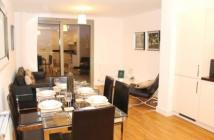 3 bed Flat to rent in Parkside View...