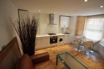 Flat to rent in Bravington Road...