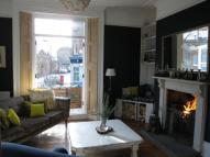 2 bed property in Stamford Grove East