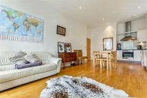2 bedroom Flat in Thornby Road, Clapton...