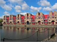 2 bedroom Flat to rent in Maynards Quay, Wapping...