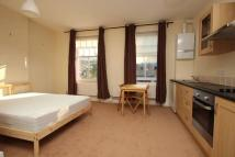 Studio apartment in High Road Woodford Green...