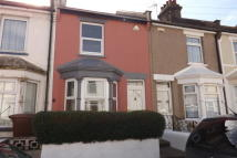 2 bed house in Bingham Road, Strood
