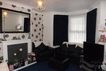 2 bed home to rent in Gordon Road, Strood