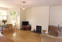 2 bed Flat to rent in Laurel Road, Hampton