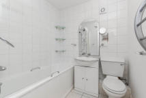 Flat to rent in Castelnau, Barnes...