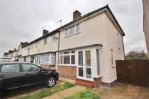 3 bedroom semi detached property to rent in Montrose Avenue, Welling...
