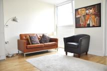 Flat to rent in 20 Laterns Way...