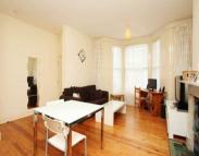 Flat to rent in Ravenscourt Road, London...