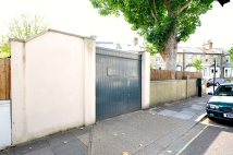 Detached home in Leysfield Road...
