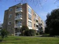 Apartment to rent in Ashbourne  Close, Ealing
