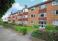 Studio apartment to rent in Woodgrange Ave, Ealing