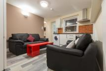 1 bedroom Flat to rent in 2 Bed Flat, Queen Square...