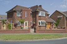 4 bedroom Detached property in Eaton Ford Green...