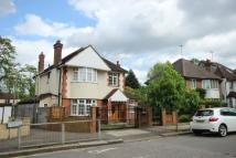 4 bedroom Flat in Greenfield Gardens Nw2