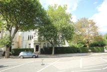 2 bedroom Flat in Sutherland Avenue...