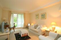 Apartment in Maple Lodge...