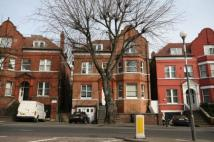 3 bedroom Flat to rent in Finchley Road