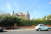 Flat to rent in Chevening Road